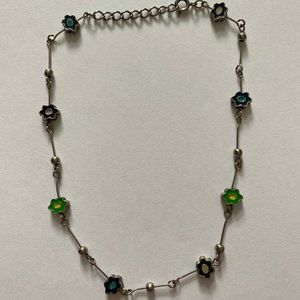 Jewelry - Womens 70s Themed Silver Choker Necklace